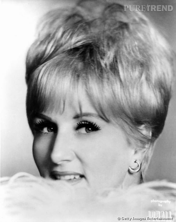 Comment on se coiffait dans les années 60 ?     Nom :  Margaret Whiting    Coiffure :  la coupe garçonne.