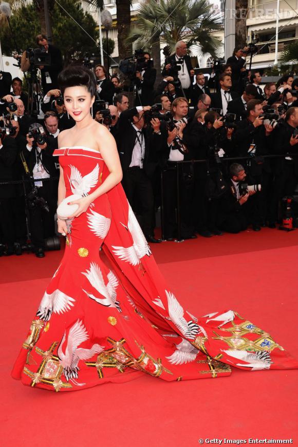 Cannes 2011 : Fan Bingbing, l'égérie orientale en robe bustier.
