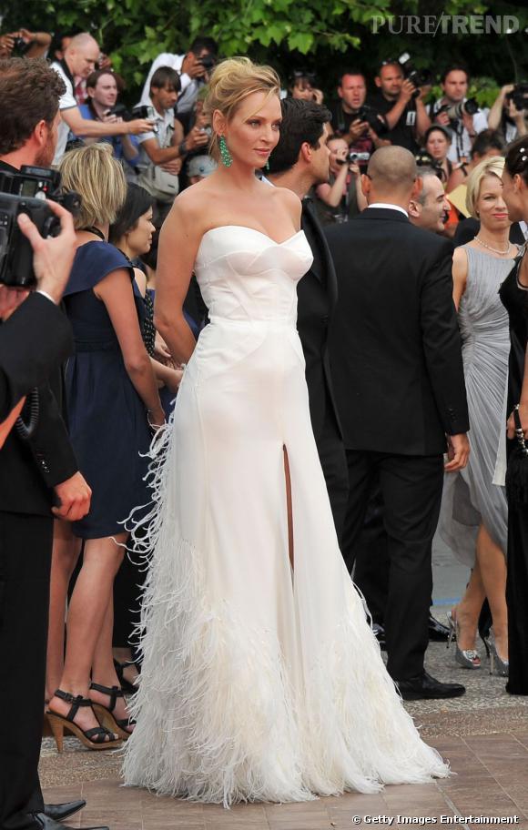 Cannes 2011 : Uma Thurman en robe bustier Versace automne-hiver 2011/2012.