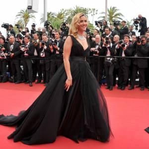 Cannes 2011 : Vahina Giocante mise tout sur sa plastique pulpeuse.