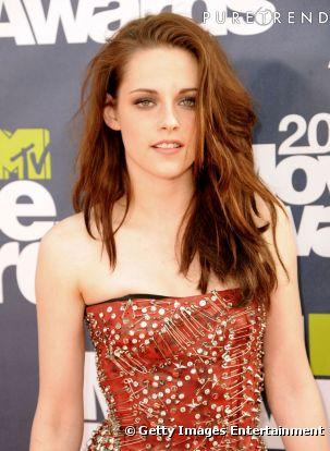 Kristen Stewart dans Twilight 544410-kristen-stewart-aux-mtv-movie-awards-0x414-3