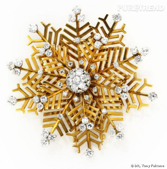 Broche Flocon de neige, 1948       Or jaune, diamants et platine.   Collection Jean S. and Frederic A. Sharf