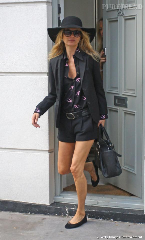 Kate Moss, à J-1 du grand jour. Pourtant, la Brindille ne semble pas stressée.