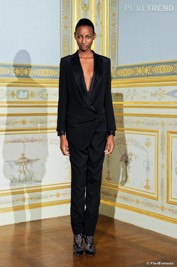 Présentation Anne Valérie Hash, Haute Couture, automne-hiver 2011/2012.