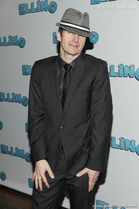 L'acteur mise sur les chapeaux pour passer pour un véritable gentleman.