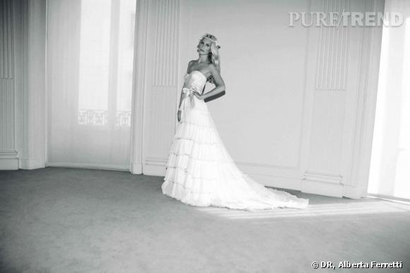 Collection de robes de mariée Forever d'Alberta Ferretti.   Catherine