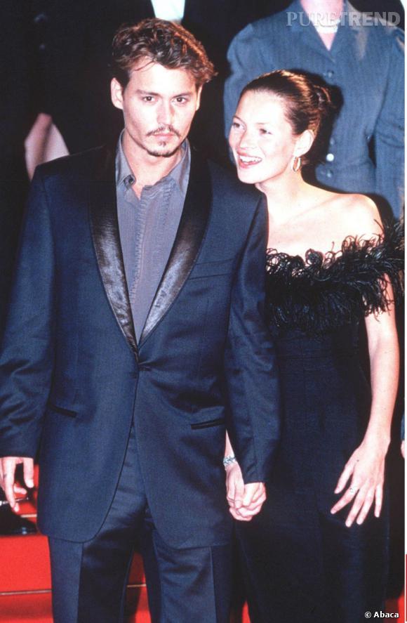 Kate Moss partage la vie de Johnny Depp de 1994 à 1998 et passe du statut de top à celui de star.
