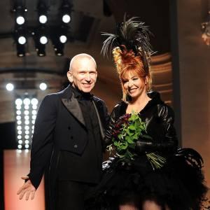 Mylène Farmer et Jean-Paul Gaultier, un joli duo. Une belle photo de Mariage, non ?