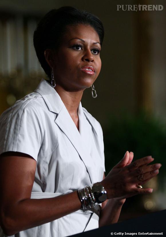 """L'extreme Makeover de Michelle ObamaJuillet 2011 : La période """"sans contrefaçon"""" une coupe de Garçon."""