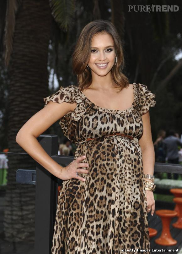 "Jessica Alba à la réception du magazine ""Lucky"" à Los Angeles."