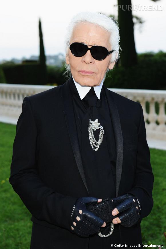 Karl Otto Lagerfeld est sans nul doute le couturier allemand le plus renommé. Lunettes noires, catogan blanc et mitaines en cuir, la dégaine de monsieur Chanel est devenue culte.