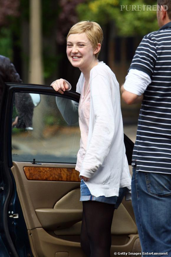 Dakota Fanning sur le tournage de son nouveau film à Londres.