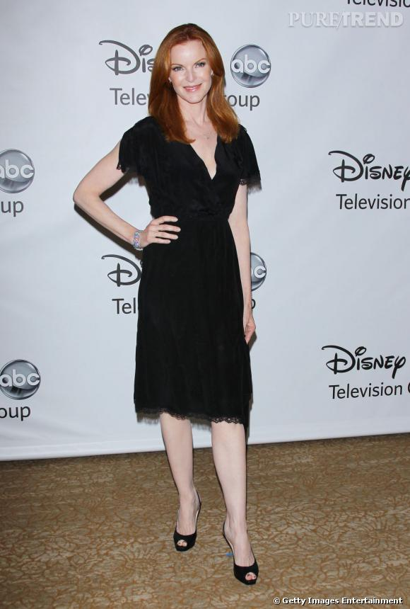 """Marcia Cross, très guindée pour la """"TCA 2011 Summer Press"""", qui a annoncé l'arrêt de la série """"Desperate Housewives"""" pour 2012."""