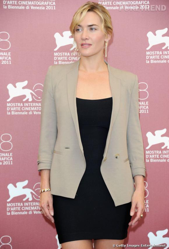 """Kate Winslet présente le film """"Carnage"""" au Festival du film de Venise."""