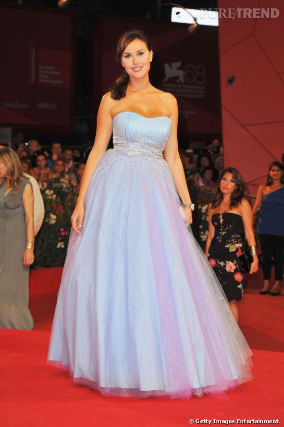 La belle actrice Isabelle Adriani joue les princesses.