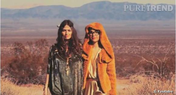 """Les Brigitte (Aurélie à gauche, Sylvie à droite) dans leur clip """"La vengance d'une louve""""."""