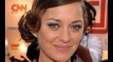 Laetitia Casta : de top model à actrice, retour sur la star en 15 coiffures