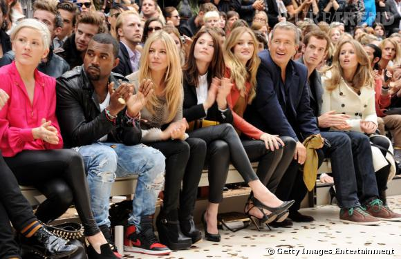 Kanye West ne sera pas front row mais derrière pour son premier défilé femme, le 2 octobre à Paris.