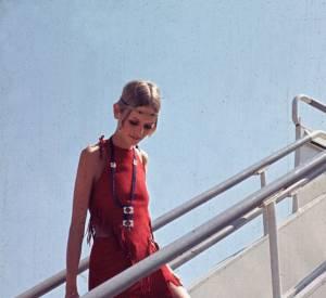 Twiggy et sa robe à franges. Un autre genre de squaw.