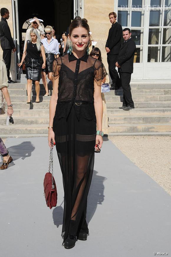 Olivia Palermo, une socialite qui mérite sa palme de meilleur look de la semaine en ensemble transparent.