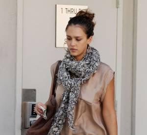 Jessica Alba, son look 70's sophistiqué... À shopper !
