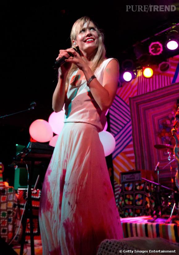 """Tout droit venue du Danemark, Nanna Øland Fabricius plus connue sous le pseudonyme de """"Oh Land"""" brille par un style électro-pop rapidement accepté aux Etats-Unis où elle fait d'ailleurs les premières parties de Katy Perry. Son dernier single """"White Nights"""" a déjà été vu plus d'un million de fois sur Youtube."""