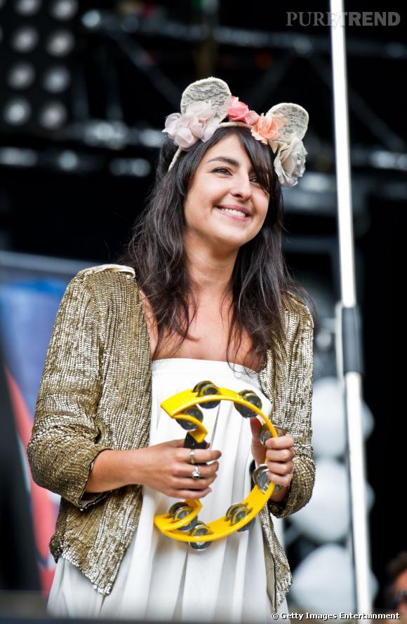 """Chez nous, c'est Nili Hadida et son groupe Lilly Wood and the Prick qui fait le buzz. """"Révélation du public"""" aux Victoires de la musique 2011, un premier  Olympia en juin et une prestation saluée lors de Rock en Seine, ils ont le vent en poupe."""