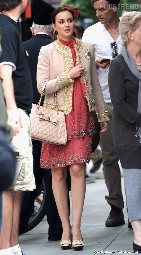Leighton Meester ose le total look rose : du plus prononcé au plus poudré, elle fait mouche.