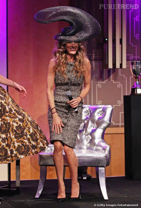 Sarah Jessica porte une robe Chanel Haute Couture Automne 2011.