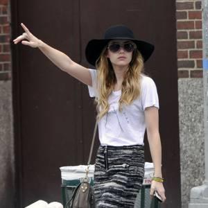 Emma Roberts, un look parfaitement orchestré.  Verdict : on approuve.