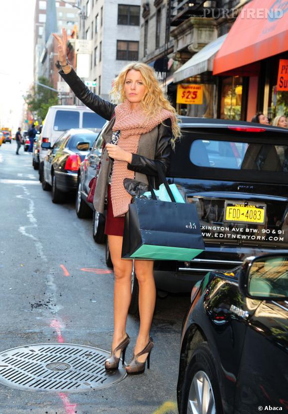 Blake Lively, une New-Yorkaise chic et sexy.    Verdict  : Bien sur que l'on s'arrête.