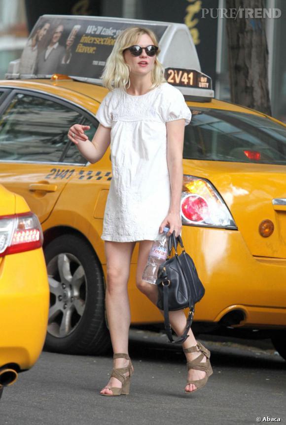 Kirsten Dunst, jolie poupée.       Verdict :  on s'arrête.