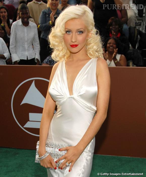Christina Aguilera à l'époque de la minceur. Elle a toujours été friande du style pin-up 50's.