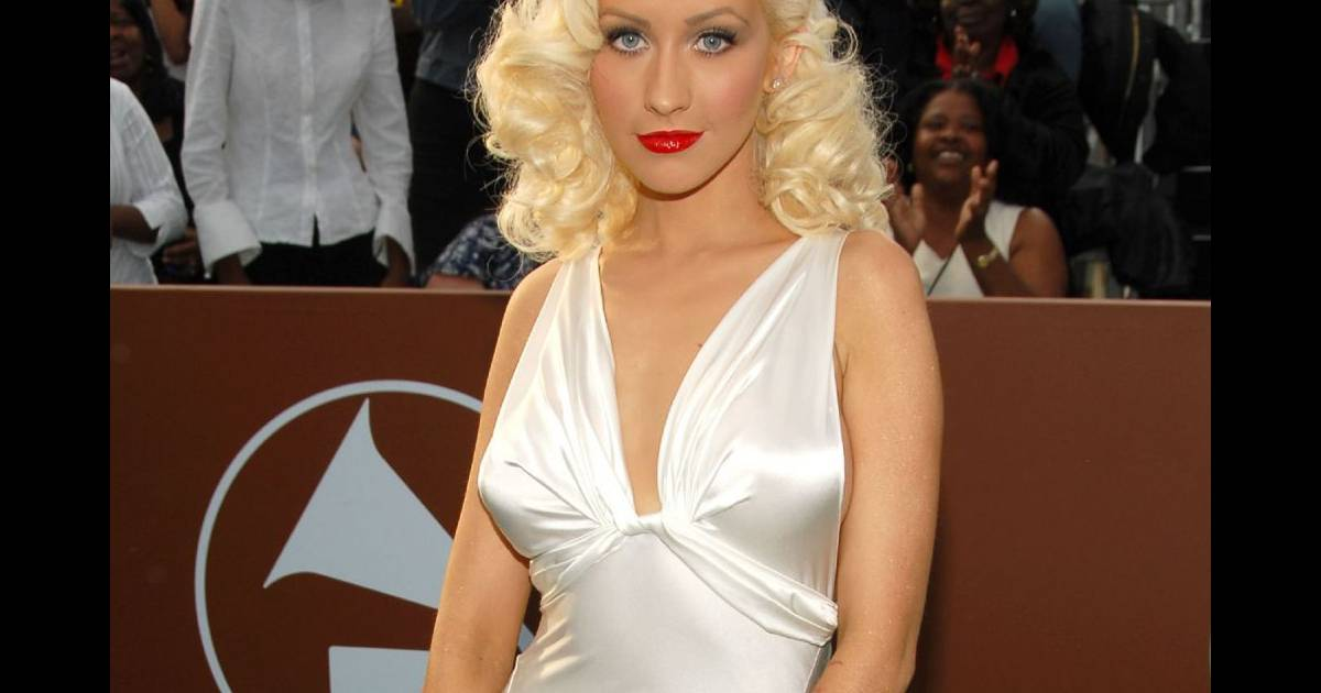 Christina Aguilera - YouTube