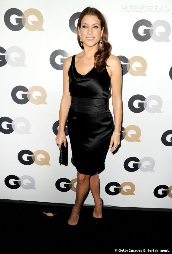 Kate Walsh arrive à la soirée GQ Man of the Year dans un look de soirée basique mais tout en brillance.
