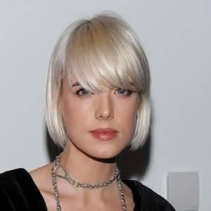 Plus belle blonde ou brune ? La top british Agyness Deyn n'a peur de rien. Quand elle se teint, c'est en blond polaire tendance blondarexia.