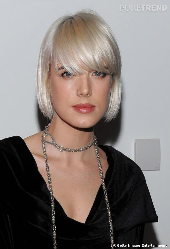 Plus belle blonde ou brune ?    La top british Agyness Deyn n'a peur de rien. Quand elle se teint, c'est en blond polaire tendance  blondarexia .