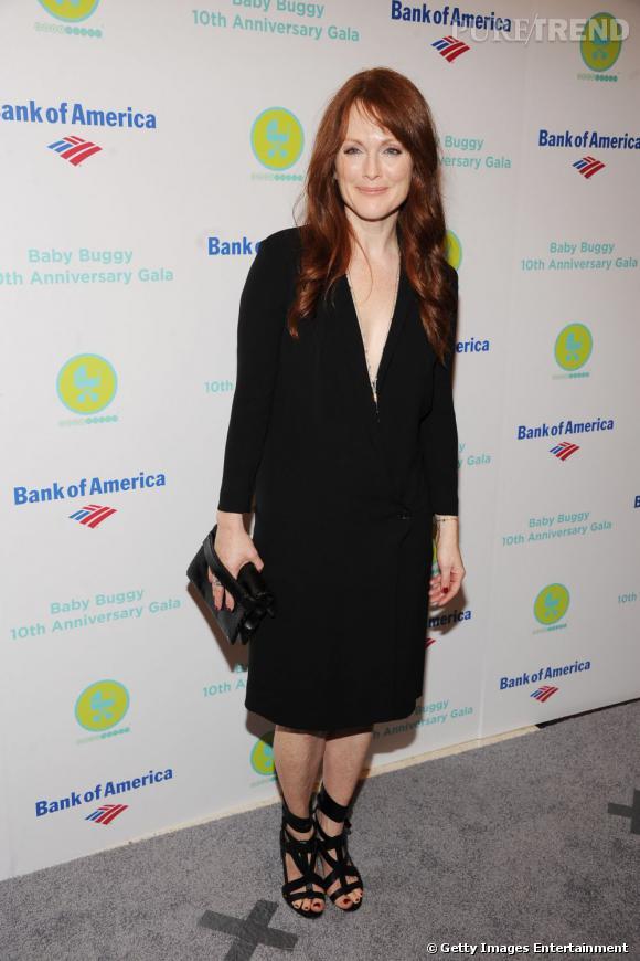 La robe sans forme ne met pas en valeur Julianne Moore.