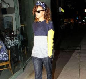 Le look du jour : Rihanna, les escarpins blancs