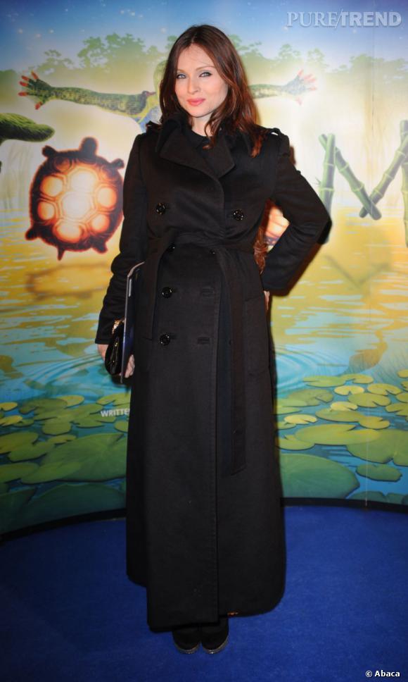 Enceinte, Sophie Ellis Bextor reste chic en total look noir.