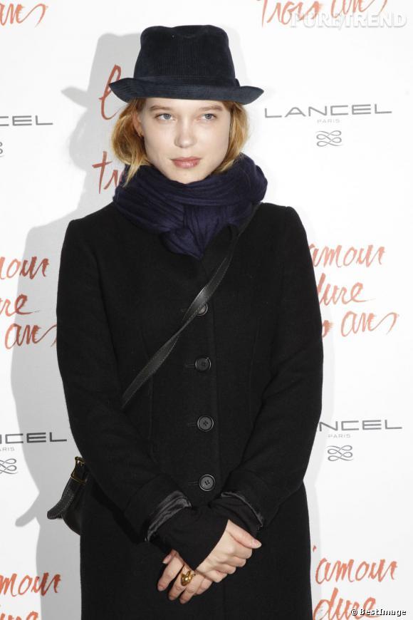 """Léa Seydoux à la première de """"L'amour dure trois ans"""" à Paris."""