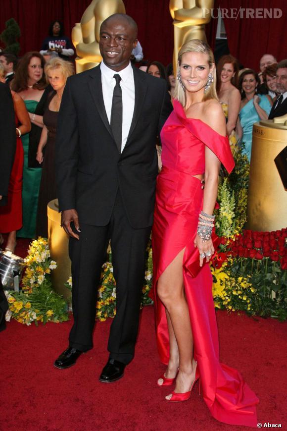 Le rouge est décidément la couleur d'Heidi Klum. Ici en Roland Mouret pour les Academy Awards de 2009, elle est très glamour.