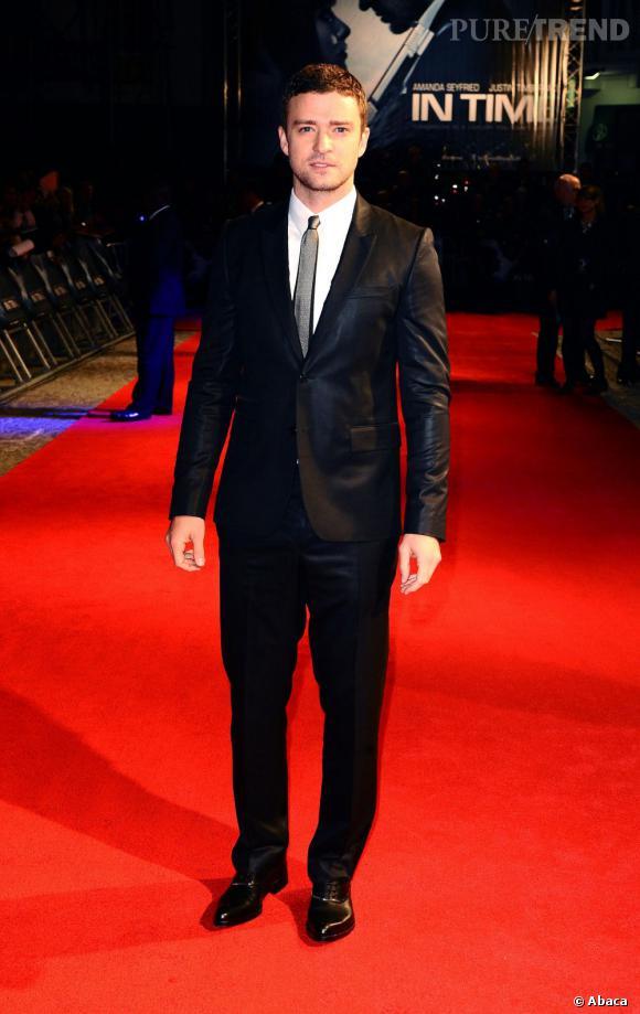 """Justin Timberlake très chic pour la première de """"Time Out"""" à Londres."""