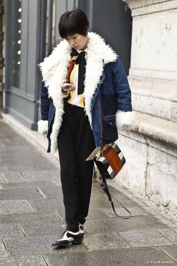 La veste en jean s'étoffe pour l'hiver dans une version fourrée, bien plus douillette.