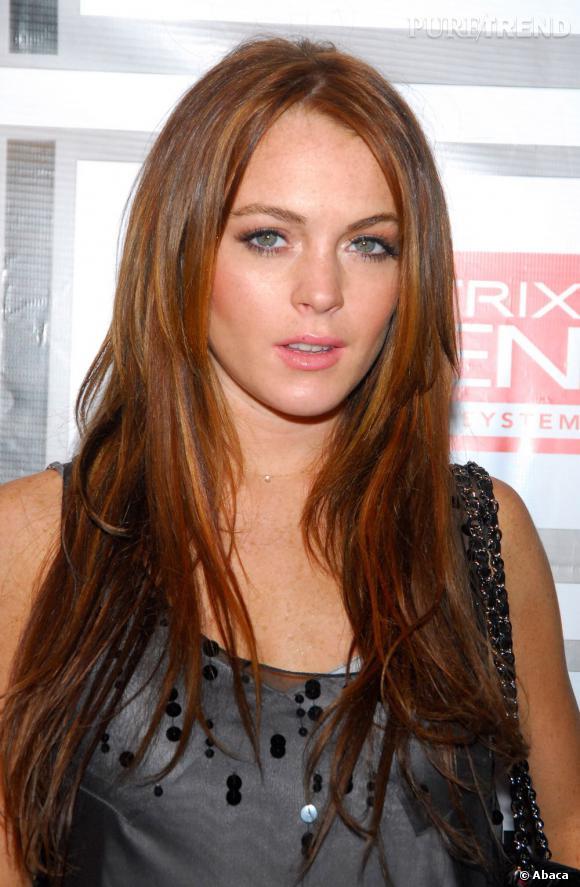 Fausse !  De nature, Lindsay Lohan est davantage chatain à tendance rousse.