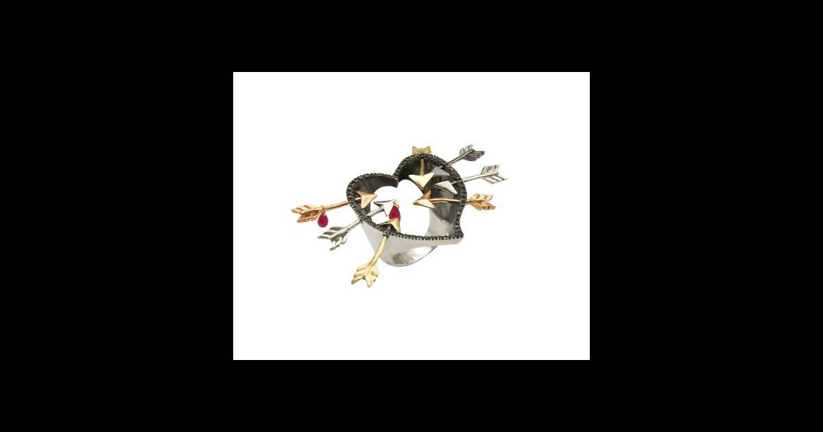 saint valentin 2012 cadeaux pour lui et pour elle puretrend. Black Bedroom Furniture Sets. Home Design Ideas