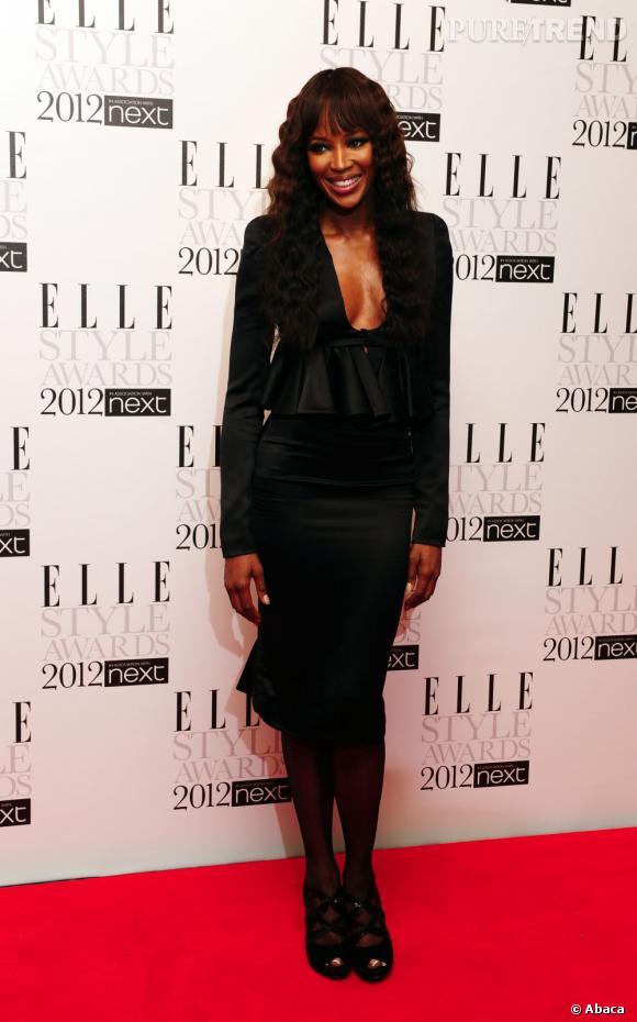 Naomi Campbell en total look black.