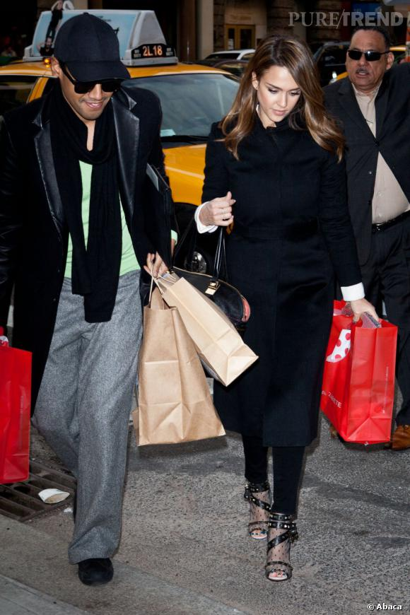 Jessica Alba fait du shopping à New York.