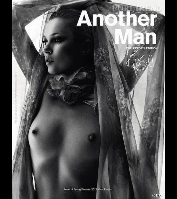Kate Moss se met à nu pour une édition collector d'AnOther Man sous l'objectif de Nick Knight.