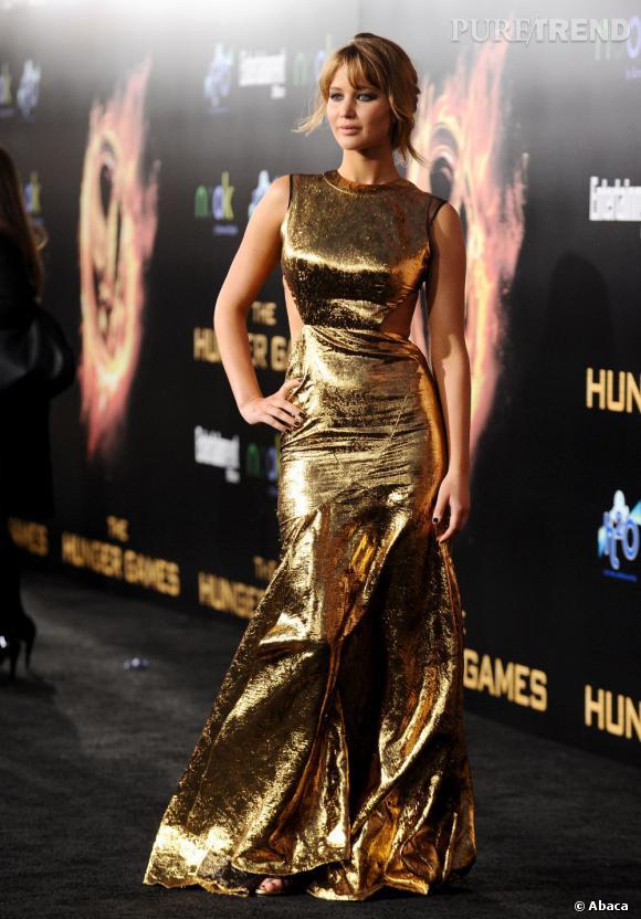 """Jennifer Lawrence lors de la première mondiale de son nouveau film """"The Hunger Games"""" à Los Angeles."""
